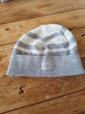 Diesel Chapeau en tricot beige