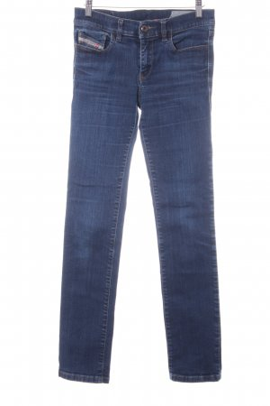 Diesel Straight-Leg Jeans dunkelblau Street-Fashion-Look