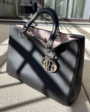 Dior Medium Handtasche in schwarz