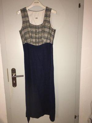 Dirndelartiges Kleid