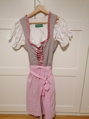 Dirndl Country Line, Tracht