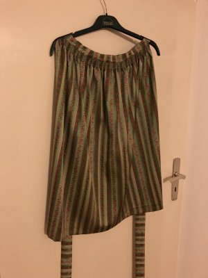Traditional Apron green-red