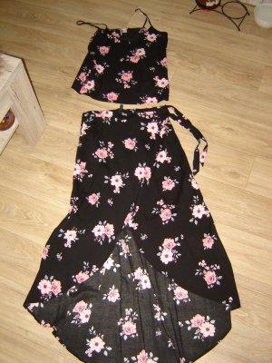 H&M Divided Wraparound Skirt black-pink