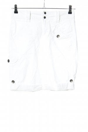 DKNY Bermuda blanco look casual