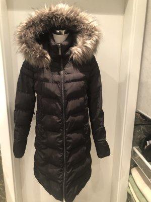 DKNY Abrigo acolchado negro