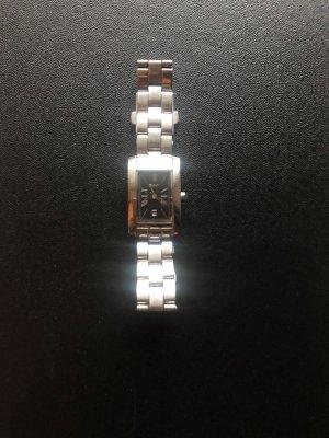 DKNY-Uhr mit Datumsanzeige