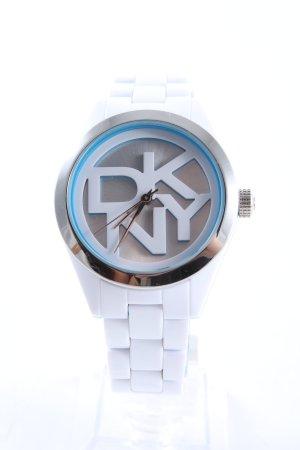 DKNY Uhr mit Metallband weiß-blau Schriftzug gedruckt sportlicher Stil
