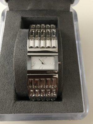 DKNY Montre avec bracelet métallique argenté