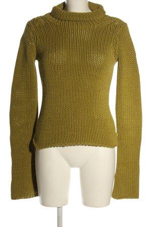DKNY Jersey trenzado color oro look casual