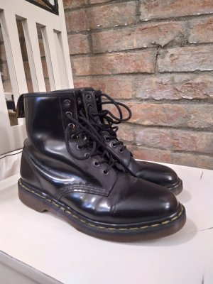 Doc Martens Combat Boots black