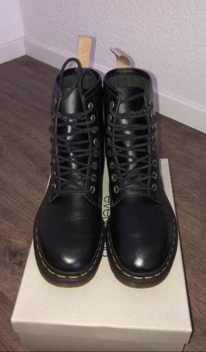 Doc Martens Lace-up Boots black