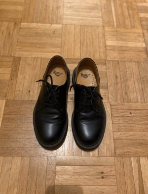 Dr. Martens Wingtip Shoes black