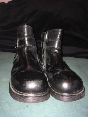 DOC Martens Chelsea Boots