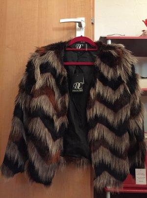 Veste en fourrure brun foncé-brun noir