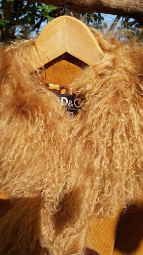 Dolce&Gabbana Dufflecoat in Cognac Farben.