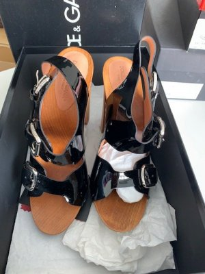 Dolce & Gabbana Lack Sandalette