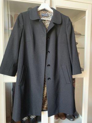 Dolce & Gabbana Mantel schwarz mit Leo-Futter Größe IT 42 / EU 36