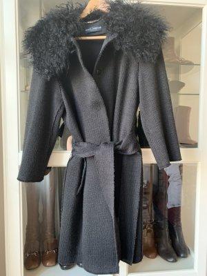 Dolce & Gabbana Strickmantel, schwarz mit Lammfellkragen IT 42 / EU 36