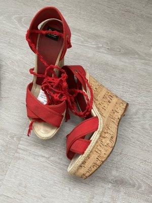 Dolce und Gabbana Keilabsatz sandalen