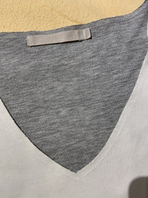 Doppelseitiges Langarmshirt