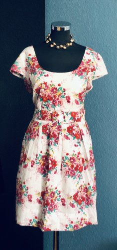 """Dorothy Perkins """"Ditzy"""" Kleid"""