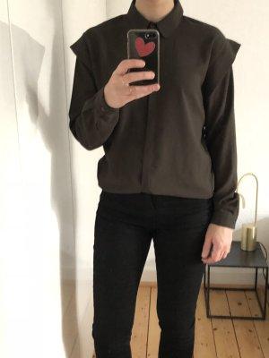 Dr Denim Bluse Hemd Shirt Khaki Schultern big shoulders minimalistisch Trend Blogger