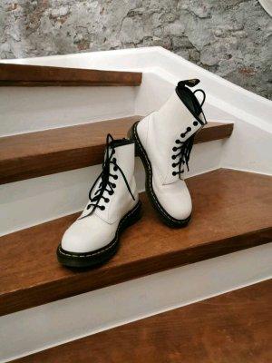 Dr. Martens Bottes à lacets blanc cuir