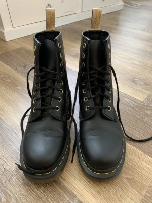 Doc Martens Lace-up Booties black