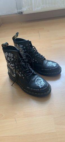 Dr. Martens Lace-up Boots black-white