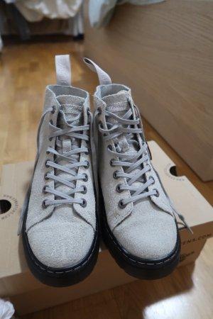 Dr. Martens Aanrijg laarzen lichtgrijs Leer