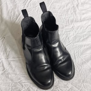 Dr. Martens Airways Chelsea Boots black leather