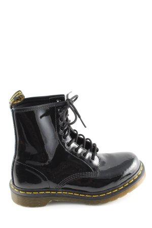 Dr. Martens Short Boots black-primrose casual look