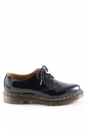Dr. Martens Zapatos brogue negro look casual