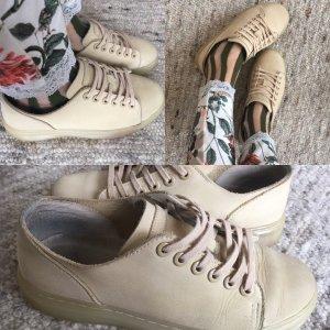 Dr. Martens. Schuhe