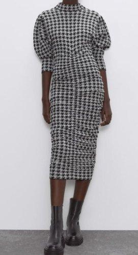 Drapiertes Kleid von Zara