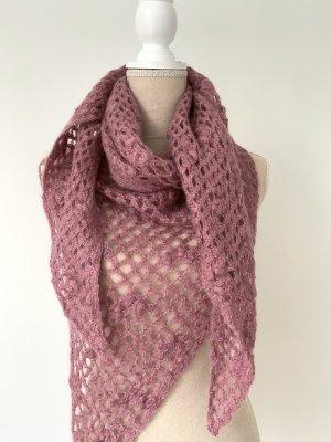 Bufanda de ganchillo púrpura