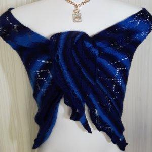Mantilla azul lana de esquila