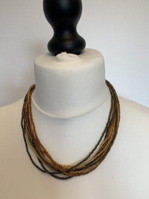 Dreiteilige Kette aus kleinen Rocailles Perlen