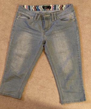 Dreiviertel-Jeans