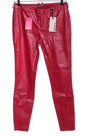 Drykorn pantalón de cintura baja rojo look casual