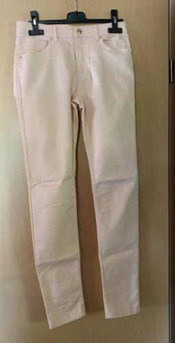 Dünne rosafarbene Stretch-Jeans