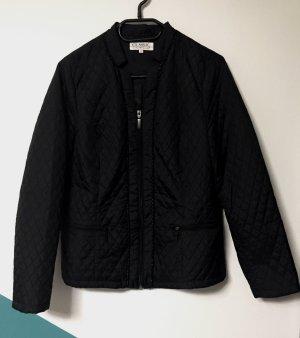 dünne-schwarze Jacke mit Reißverschluss und Seitentaschen, Gr. 42