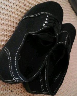 Dünne Stoff- Schuhe