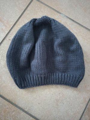 Sombrero de punto gris antracita