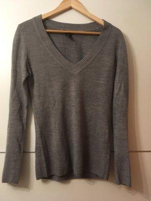 H&M V-Neck Sweater grey