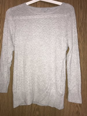 Dünner Pullover mit gestricktem Muster
