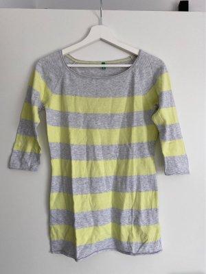 Benetton T-shirts en mailles tricotées gris clair-jaune primevère