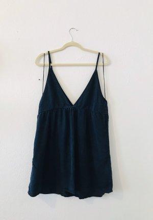 Dunkel blaues Kleid