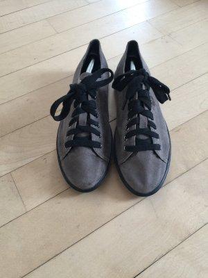 dunkel grau leder Prada Sneaker