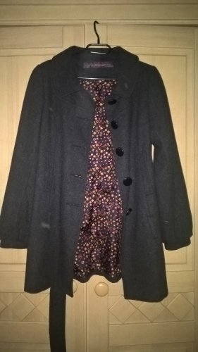 dunkel grauer Mantel